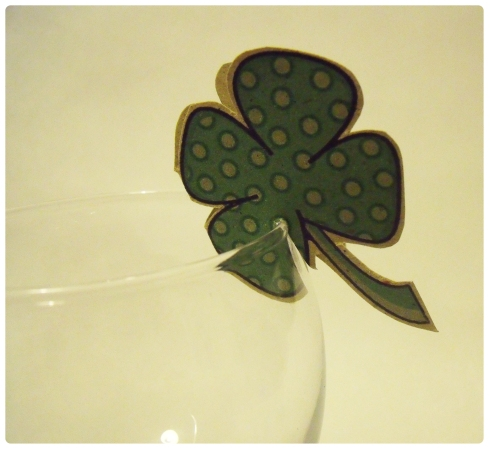 st patricks day glass decoration 4 leaf clover template